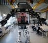 韩仿制《阿凡达》机器人 高4米可自由做动作(图)
