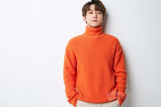 黄致列12月3日将携电子单曲《无题》回归