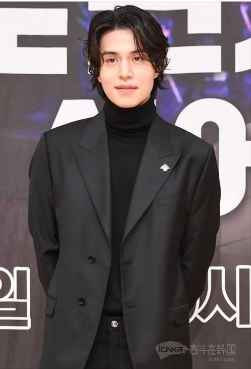 李栋旭将出演tvN新剧《九尾狐传》担纲男主角
