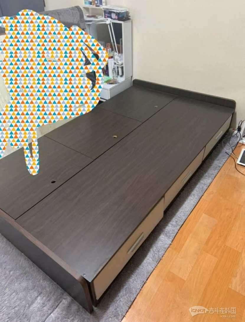 免费送单人床 带收纳抽屉带床垫  外大附近自取