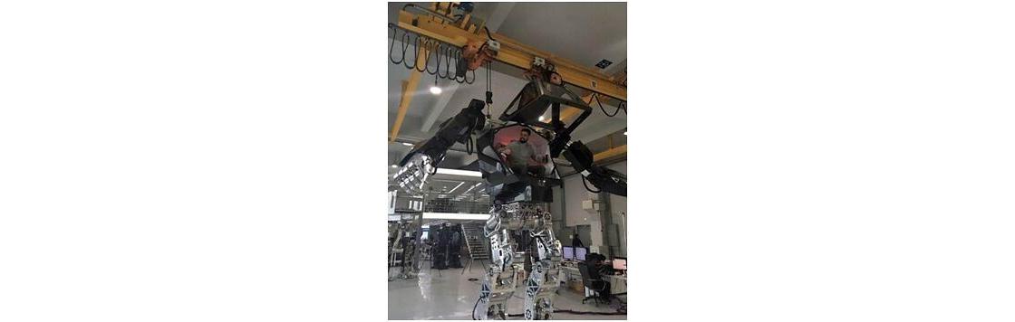 韩国现实版阿凡达曝光 4米高机器人